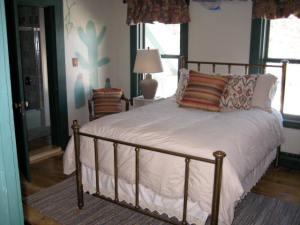 American Southwest Bedroom