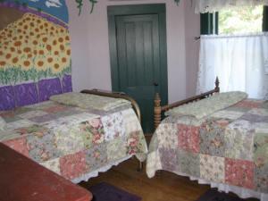 Provincial Francais Bedroom